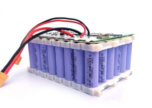 make 12v battery from 18650