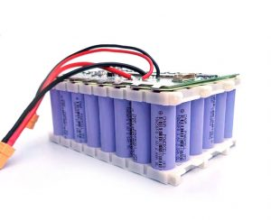 make 12v battery from 18650